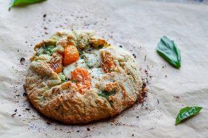 #WhatscookinWednesday Tomato Basil and Mozzarella Gallette